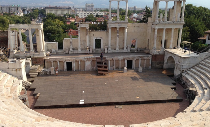 philippopolis-theater_678x410_crop_478b24840a